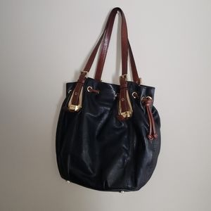 Michael kors black leather purse with gold/brown